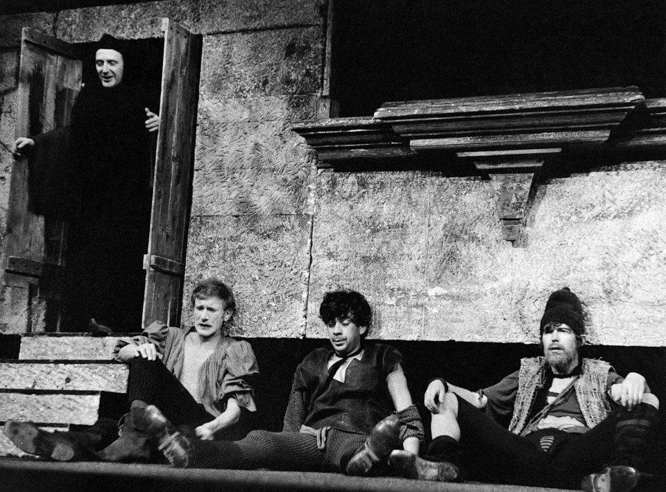 Niccolò Machiavelli: MANDRAGORA. režie Jiří Menzel, 1965; Jiří Hálek / Pan Mikula, František Husák / Kallimach, Petr Čepek / Ligur, Jiří Hrzán / Syr; foto Miloň Novotný