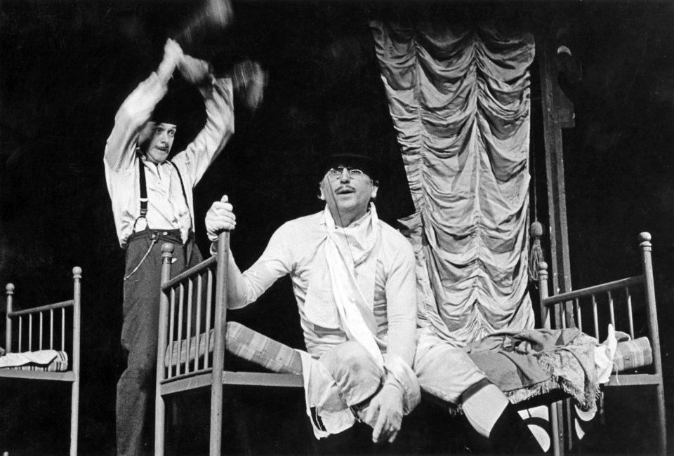 Sean O´Casey: PENSION PRO SVOBODNÉ PÁNY. režie Jiří Krejčík, 1975; Oldřich Vízner / Mulligan, Jiří Menzel / Halibut; foto Miroslav Pokorný