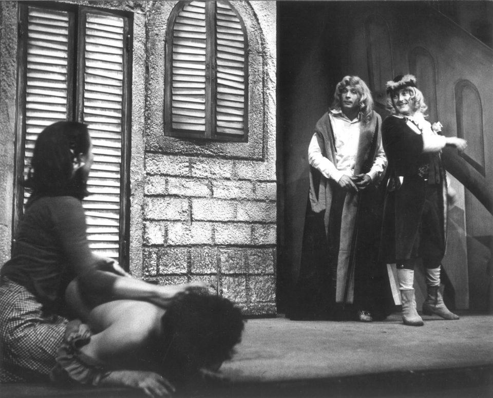 7_Tri_v tom. Pandolfo Jaroslav Vostrý: Tři vtom (režie Jiří Menzel, 1978; sJiřím Kodetem) Foto Jiří Kučera