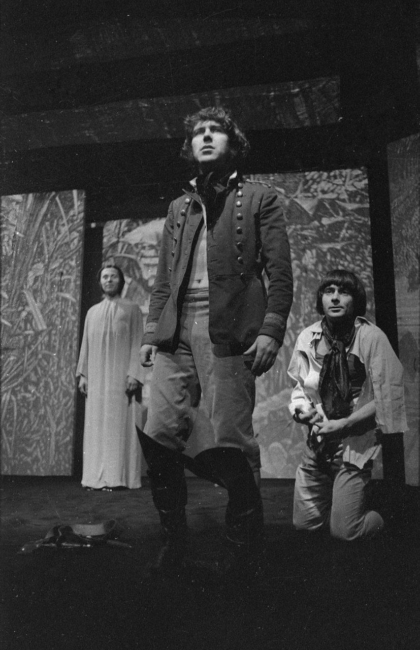 Candide_L_Mrkvicka. Voltaire: Candide (režie Jaroslav Vostrý, 1971; sJosefem Abrhámem aJiřím Hrzánem) Foto Miloň Novotný